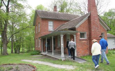 Chellberg Farm Home