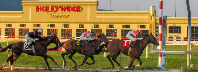 Horse Racing at Hollywood Casino at Penn National Race Course in Visit Hershey Harrisburg
