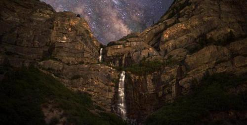 bridal veil fallls at night