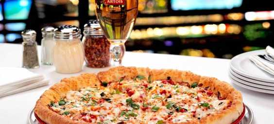 Minsky's Pizza pizza and beer