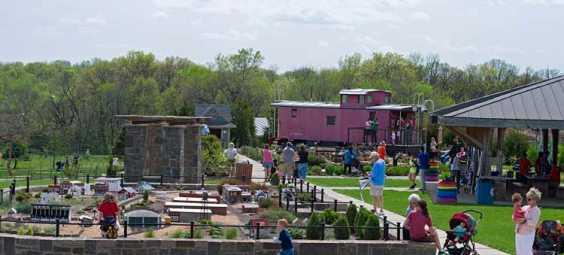 Overland-Park-Arboretum-Kids-Trains
