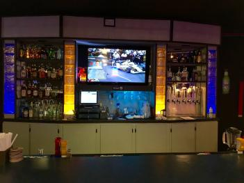I've definitely going to have to return without the kids to check out The Bruin House bar.
