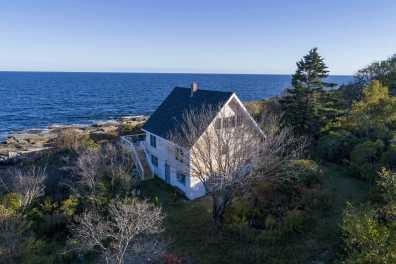 The Surfside Cottage