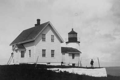 Old photo of lighthouse
