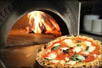 Authentic Margherita Pizza