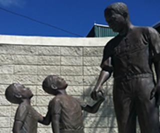 Jackiee Robinson statue