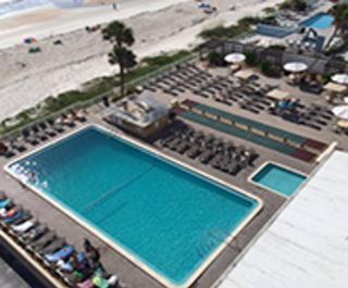 Maverick Resort