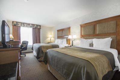 Comfort Inn & Suites 2q Room