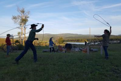 Lasso throwing