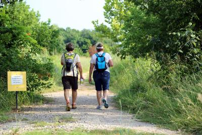 Fort Worth Nature Center hikers