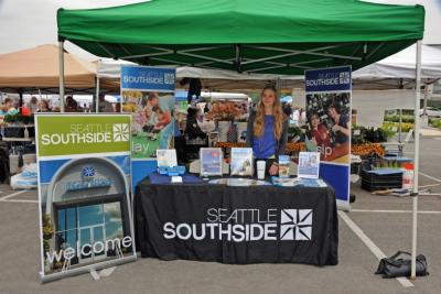 Spend a Day in Des Moines, Washington, Farmers Market: Seattle Southside stand