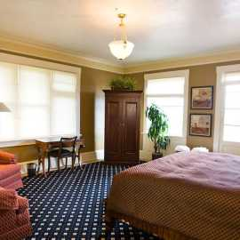 Bryce Canyon Guestroom