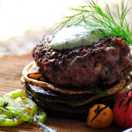 lamb burger w/tzatziki