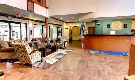Best Western Inn & Suites Merrillville lobby