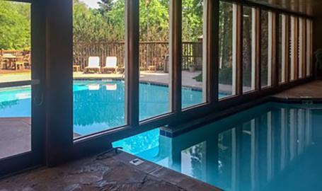 Clarion Hotel Merrillville pool