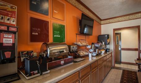 Comfort Inn Hotel Michigan City breakfast
