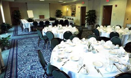 Hilton Garden Inn Chesterton banquet room