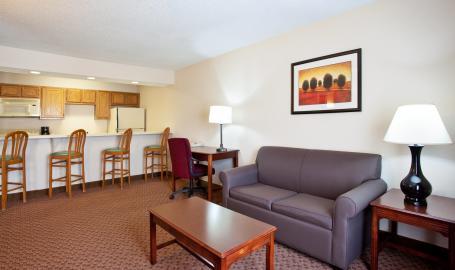 Holiday Inn Express Hotel Merrillville suite
