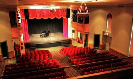 Memorial Opera House Things to Do Valparaiso Theater