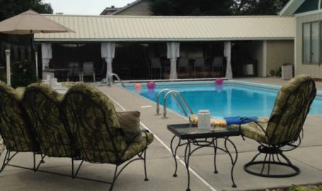 Moran Inn DeMotte B&B pool