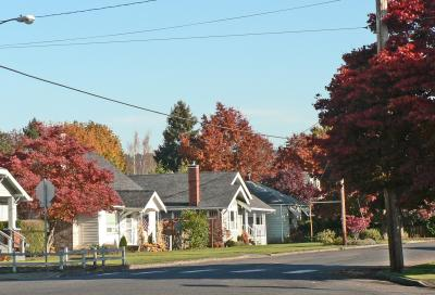 Wood Avenue in Sumner in fall