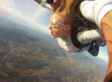 11860_1177_chatt_skydive3.jpg