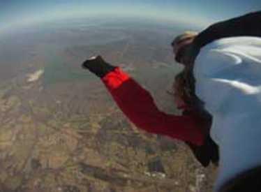 11860_1178_chatt_skydive4.jpg