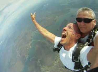 11860_1179_chatt_skydive5.jpg