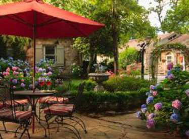 Chanticleer Inn Bed & Breakfast