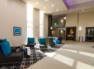 LaQuinta Inn & Suites/East Ridge Lobby