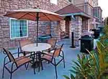 Outdoor area at Staybridge Suites/Hamilton Place
