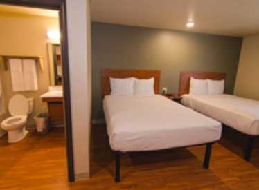 Woodspring Suites Doubles Room