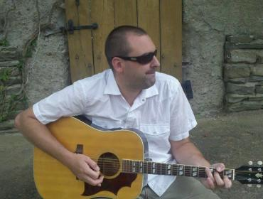 Live Music with DREY & PHRIENDS  at Via Girasole Wine Bar Tuesday, August 22, 6:30-9:00 PM