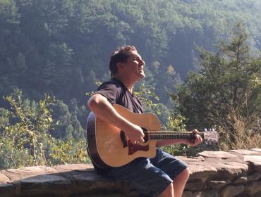 Eric Manzler, acoustic guitar concert of rock classics