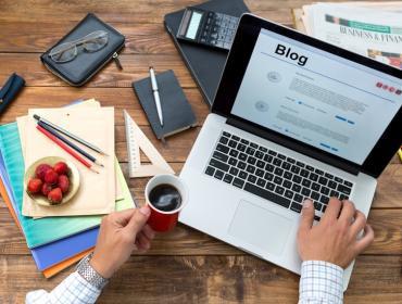 Blogging Over Breakfast: Start, Grow + Rock Your Own Blog