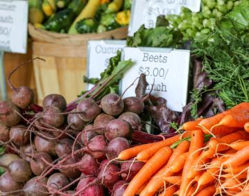 https://res.cloudinary.com/simpleview/image/upload/crm/newportri/farmers-market-newport_credit-Discover-Newport-2-2_c8c166b1-5056-b3a8-49607393863d57a2.jpg