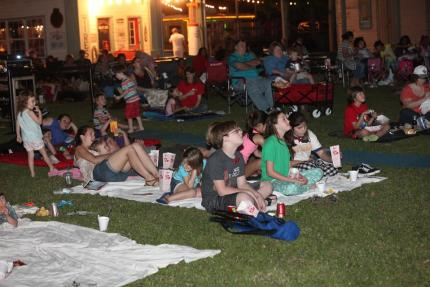 Kenner Movies in the Park