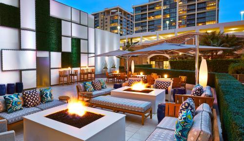 Floe Lounge 2