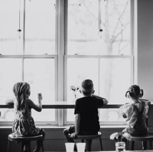 Kids sitting at Jeni's