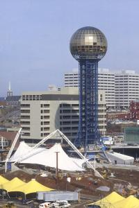 the knoxville sunsphere was built in 1981 and designed by the architecture firm community tectonics as the theme structure for the 1982 worlds fair