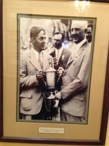 Golf trophy picture