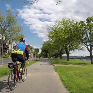 biking-harrisburg-riverfront-park-capital-area-greenbelt