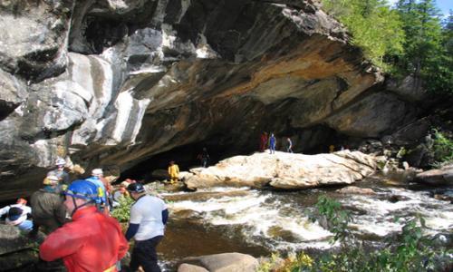 natural-stone-bridge-caves-park-1