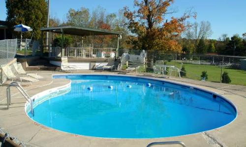 top-hill-motel-pool
