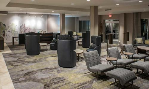 Clifton Park Courtyard by Marriott