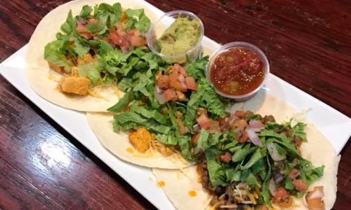Horseshoe Inn tacos on platter