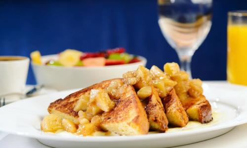 The Blue Hen french toast with apples