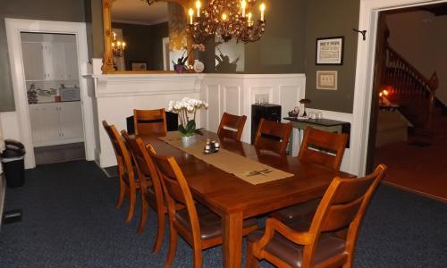 Geyser Lodge Dining Room
