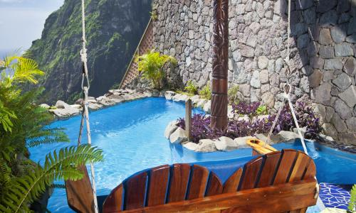 Live Life Travel porch swing in Ladera St Lucia
