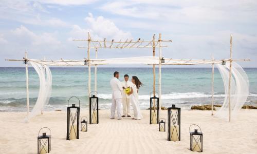 Live Life Travel VRM Wedding ceremony beach